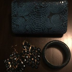 Handbags - Clutch, earrings, bracelet